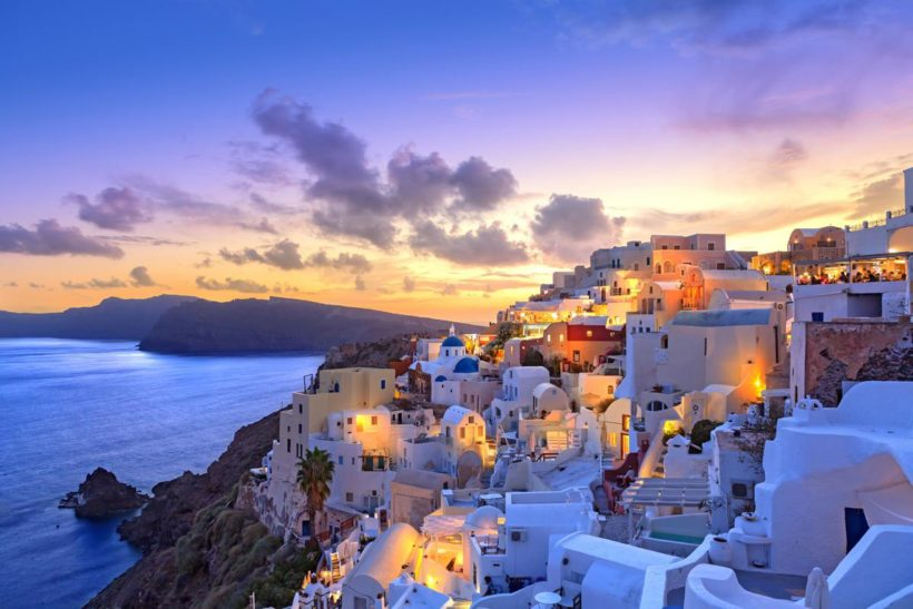 Grecia_Santorini_Oia_GettyRF_510967662_Grafissimo_Getty Images